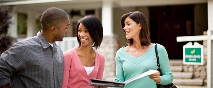 5 things to discuss with your significant other before purchasing a home